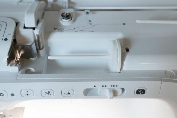 Brother Innov-is VQ2 gebrauchte Naehmaschine oben 2