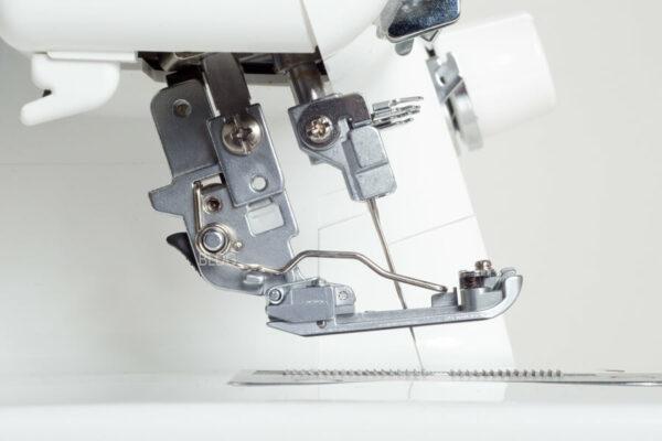 Juki MCS-1800 Coverlock easy-Snap-on-Fuss und Füsschenlüfter
