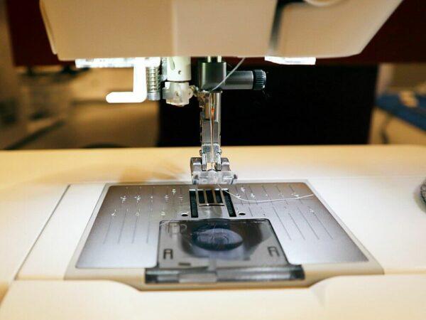 Pfaff Creative 3.0 gebrauchte Nähmaschine Stichplatte Ansicht