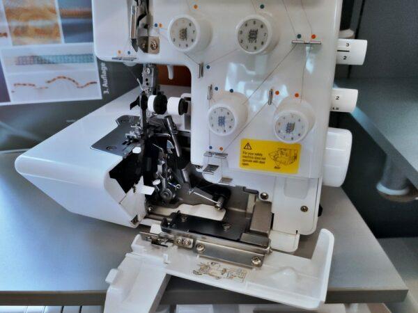 Juki MO 654 DE Overlock Details